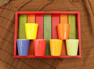 Rustic Mutlicolour Wooden Tray with 6 ceramic glasses